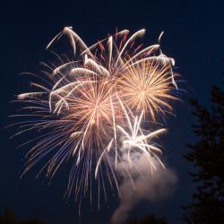 fireworks1-100044852-orig